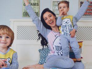 Майка с две деца вкъщи по пожами