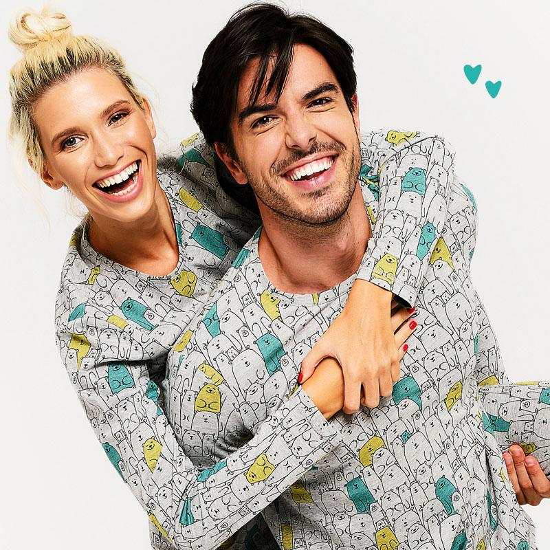 усмихната двойка мъж и жена